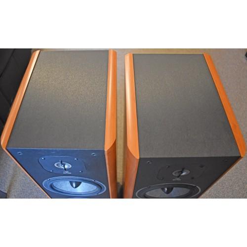 FOCAL / JM Lab Cobalt 816 125-watt tri-driver bi-ampable Speakers