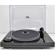 Music Hall MMF-7.1 Turntable with Carbon-Fiber arm/dustcover