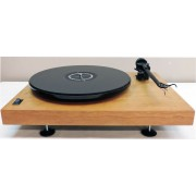 SOTA MOONBEAM III Real Natural-Cherry Turntable with Rega S202 arm