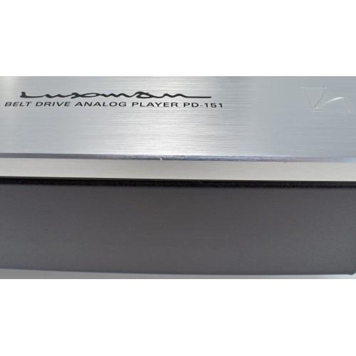 LUXMAN PD-151 3-speed Belt-Drive Turntable