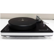 Clearaudio Performance DC 3-speed Turntable with Clarify Carbon-fiber arm