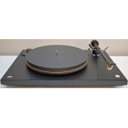 "MoFi UltraDeck Turntable with 10"" arm/Mastertracker cartridge/Dust Cover"