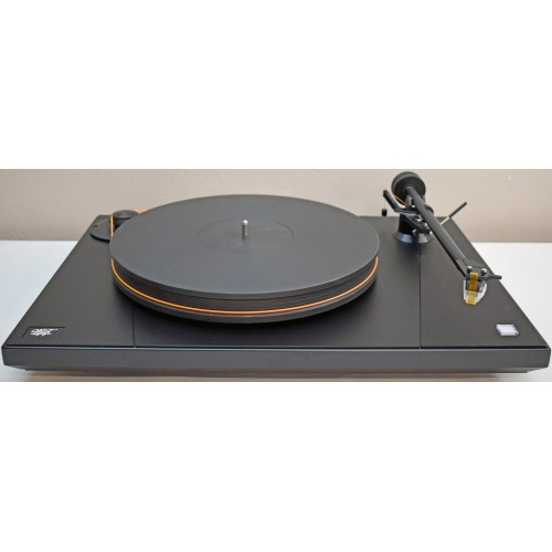 """MoFi UltraDeck Turntable with 10"""" arm/Mastertracker cartridge/Dust Cover"""