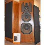 "McIntosh XR 1052 Vintage Uniform Field 12"" 4-way walnut Speakers"